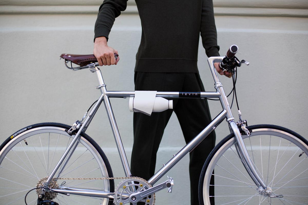 closca botella en bici