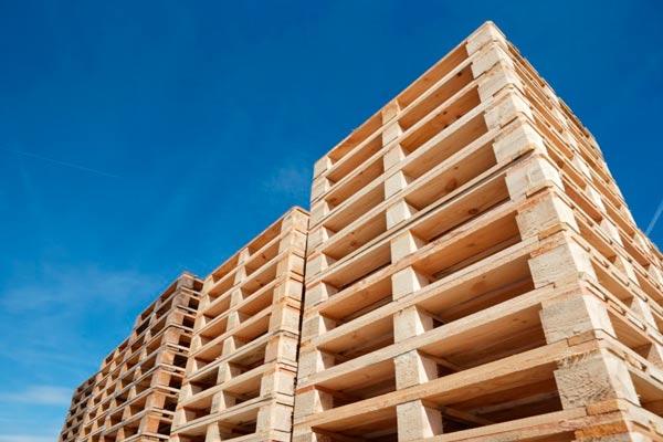 cuánto pesa un palet de madera